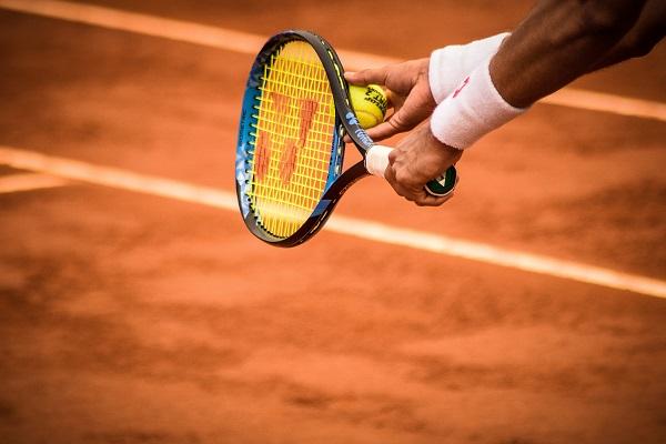 tennis-klein