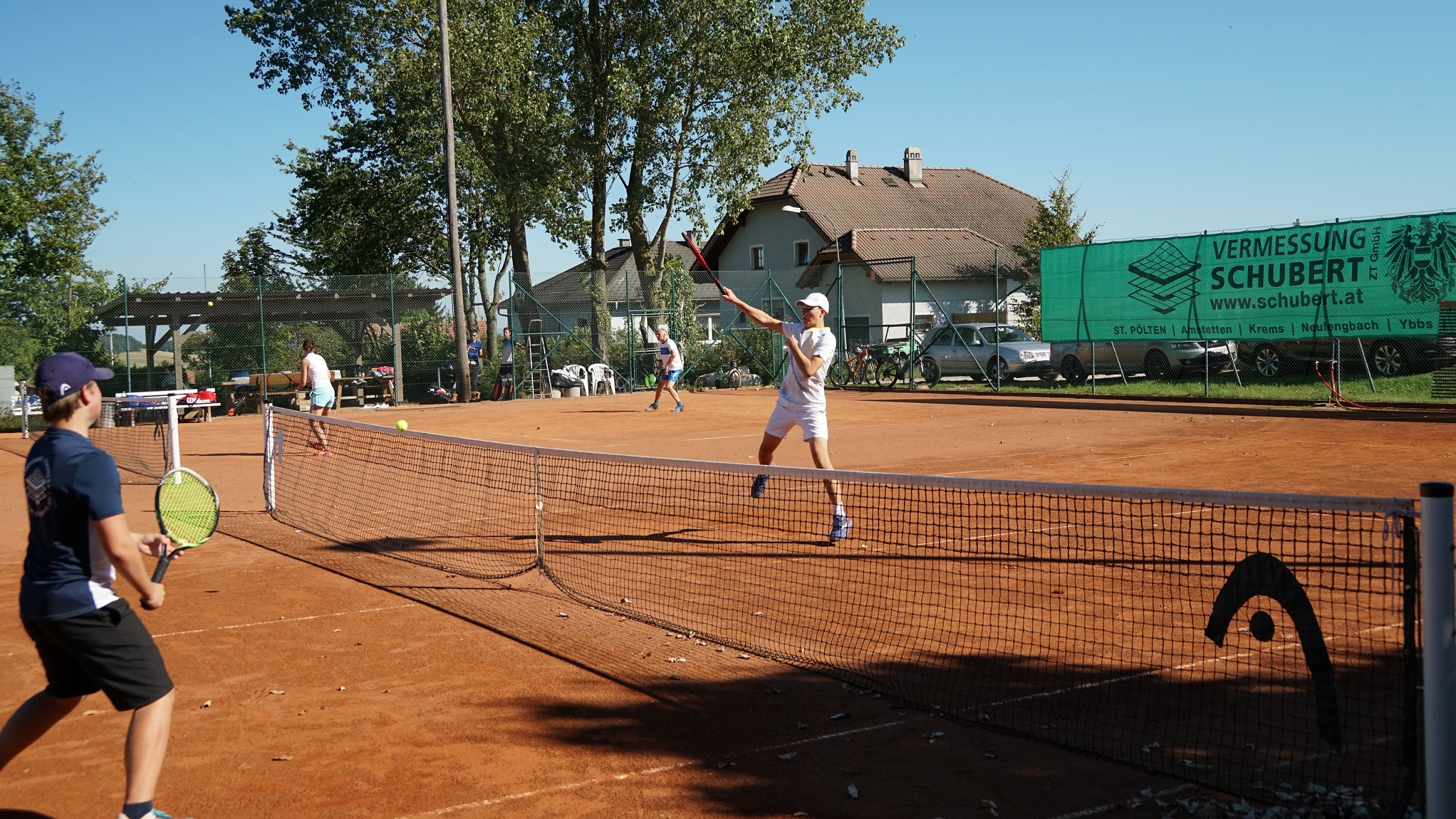 Interne Doppelmeisterschaften bei Kaiserwetter tennis doppel karlstetten 2021 1