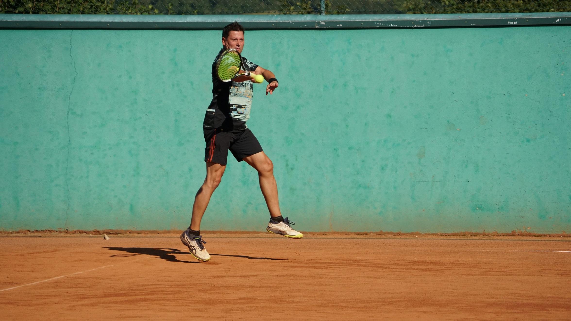 Interne Doppelmeisterschaften bei Kaiserwetter tennis doppel karlstetten 2021 3